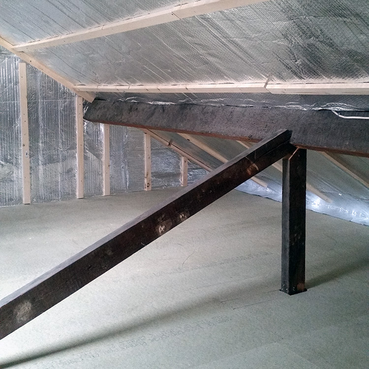 Loft floor boarding with foil insulated walls